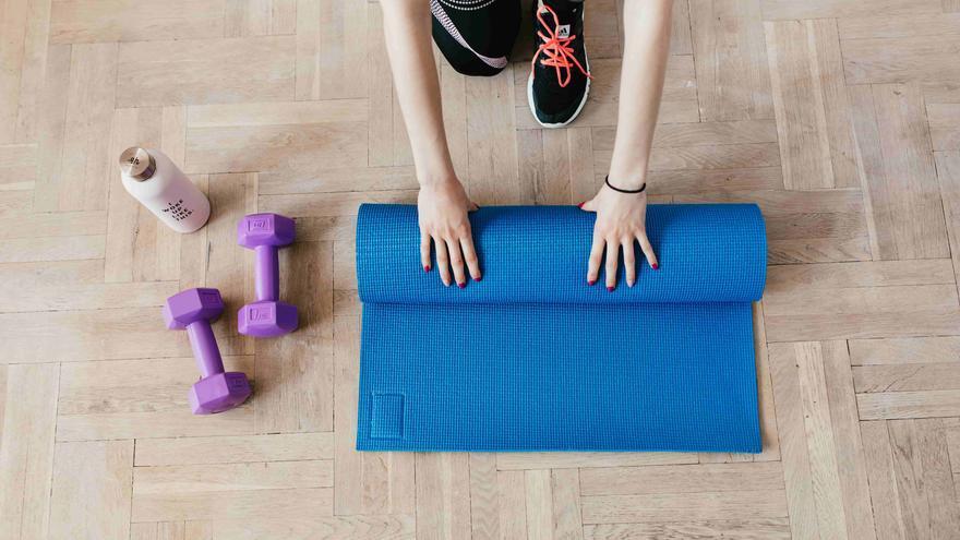 El mejor equipamiento deportivo para entrenar en casa y recuperar la forma física