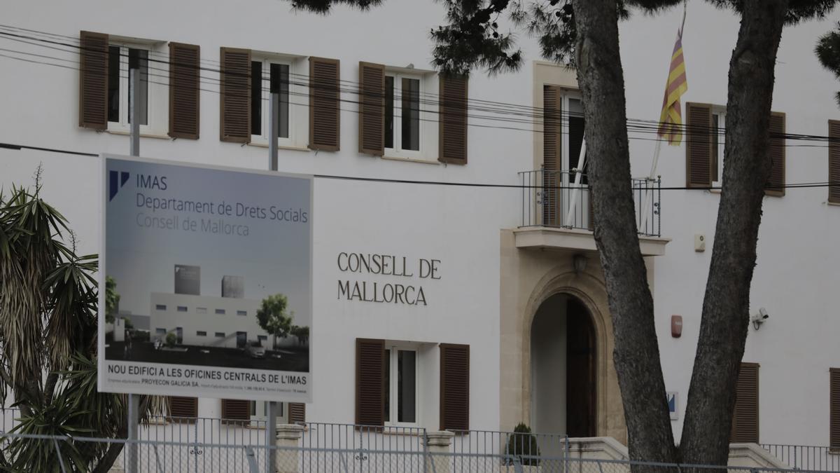Sede central del Institut Mallorquí d'Afers Socials (IMAS) de la calle General Riera de Palma.
