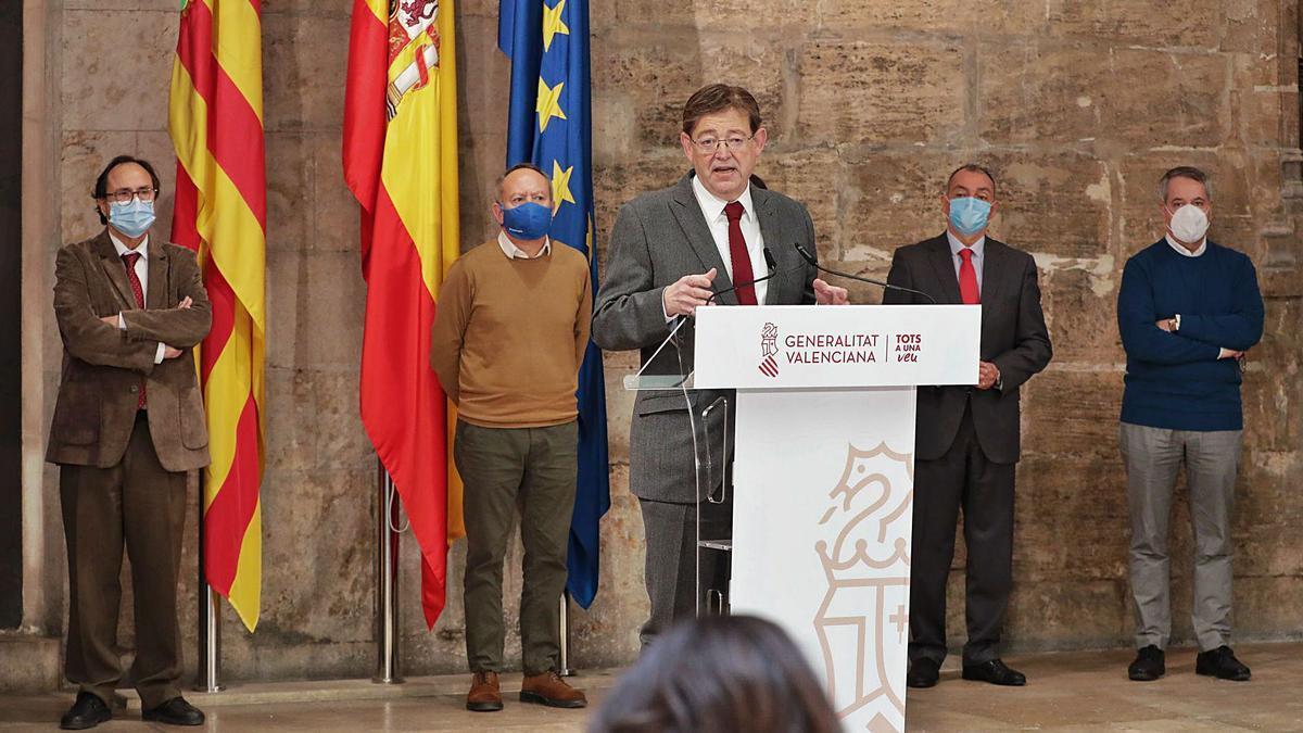 El jefe del Consell, Ximo Puig, durante la comparecencia en la que se anunció ayer el Plan Resiste.    INFORMACIÓN