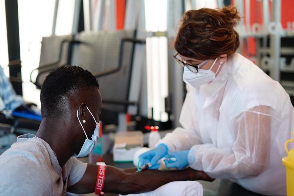 Los jugadores del Mallorca se somete a las pruebas médicas y a los test PCR en la Juaneda Miramar