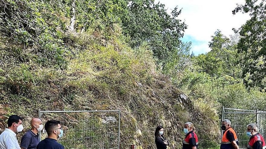 Sin jira ni fiesta en el campo de Os Caneiros, pero las lanchas pueden hoy remontar el río