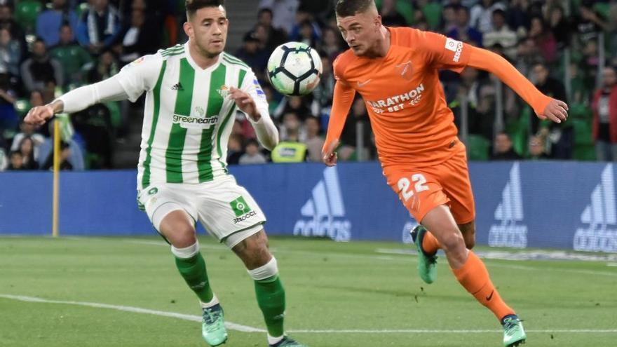 El Betis gana y aplaza el pase a la Champions del Valencia