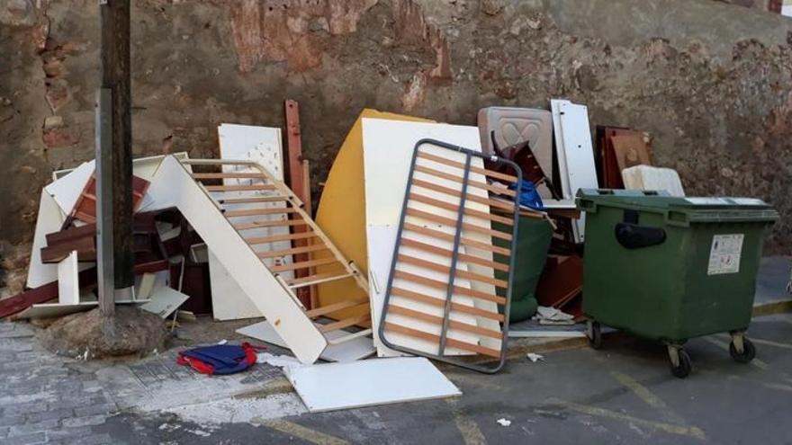 VÍDEO | Piden colaboración ciudadana por un vertedero ilegal en este municipio de Castellón
