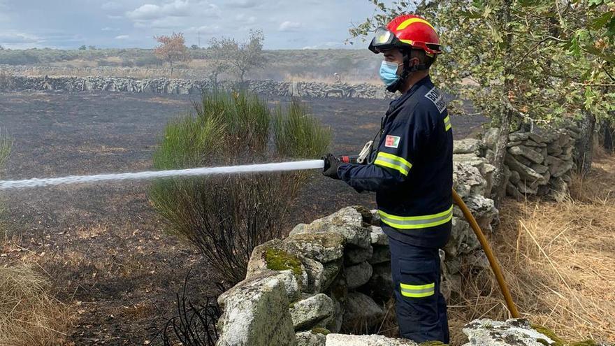 Los Bomberos sofocan un incendio en Formariz