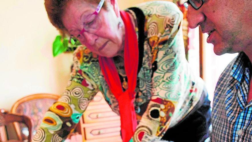 Paquita recupera la foto que els nazis robaren al seu pare fa 80 anys