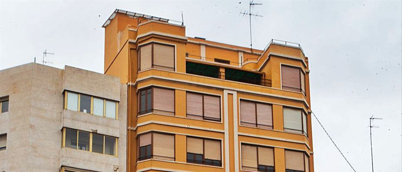 En el centro, el edificio del nuevo hotel de Myr.   LEVANTE-EMV