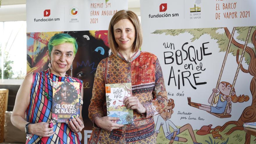 Beatriz Osés y Chiki Fabregat, ganadoras de los Premios SM El Barco de Vapor y Gran Angular