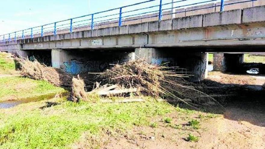 Beniparrell propone elevar y construir puentes para evitar más inundaciones en el polígono