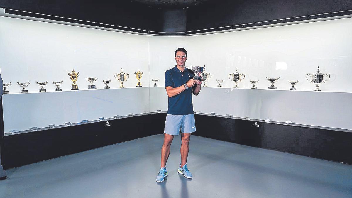 El decimotercer trofeo ya luce en el museo