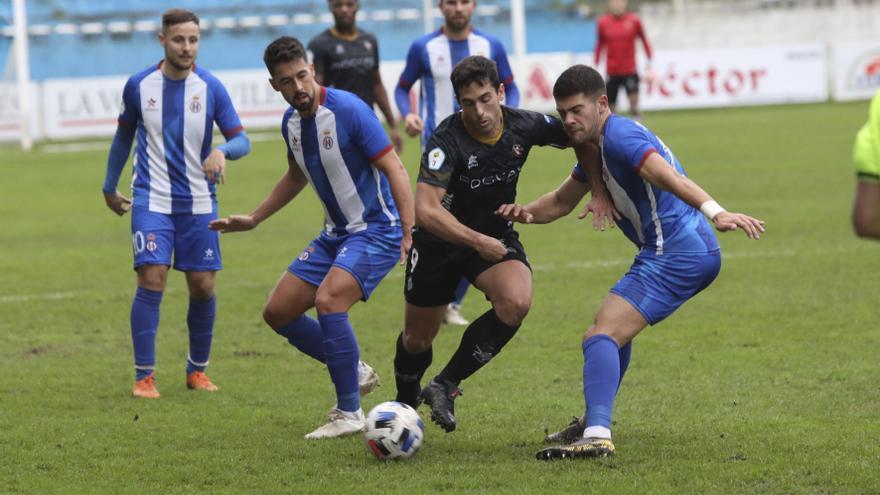 Futbol Asturiano: La Tercera alarga la primera fase para que el Siero se ponga al día