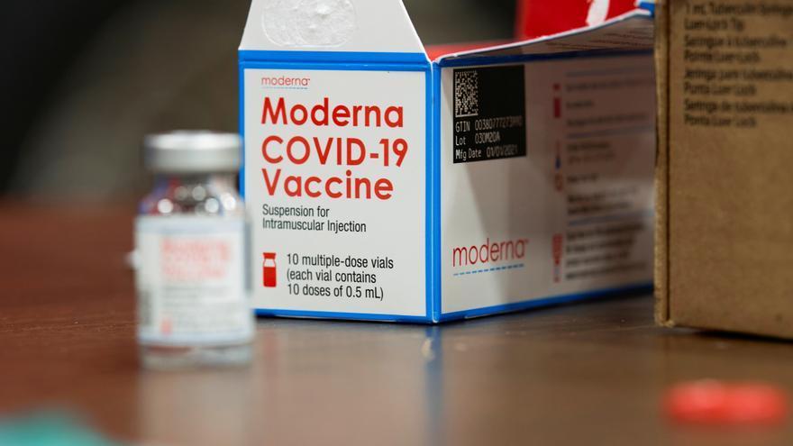 Moderna comienza los ensayos de una dosis de refuerzo contra la variante sudafricana
