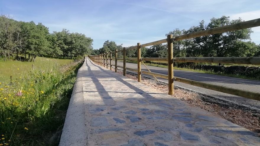 Aceituna adecua un nuevo paseo que pasa por el trazado de la ruta jacobea