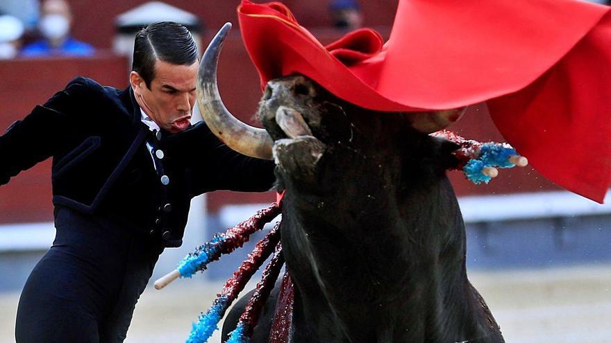 Los toros vuelven tras 448 días con Manzanares en la plaza de Las Ventas
