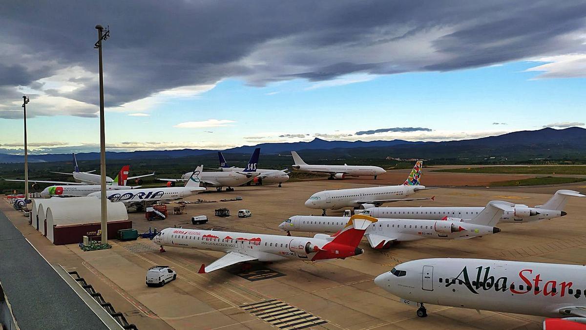 Aviones parados en el aeropuerto de Castelló, en una imagen del pasado mes de mayo. | LEVANTE-EMV