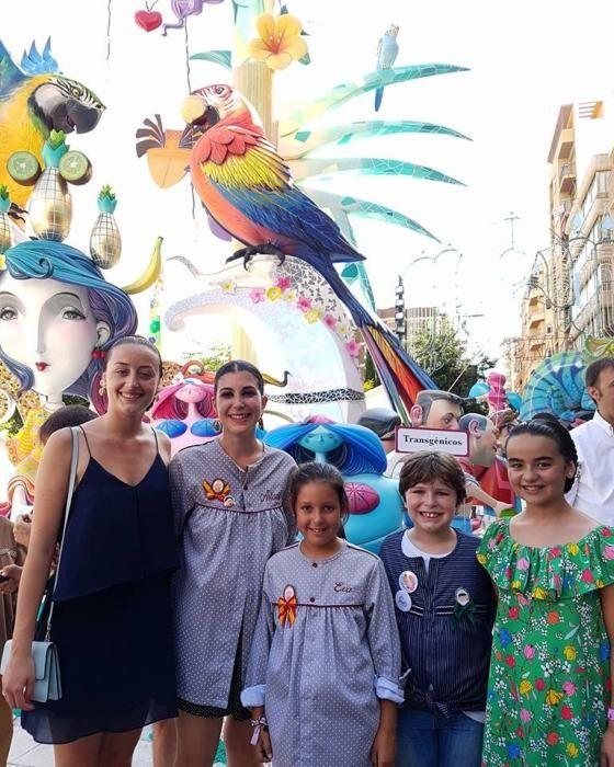 Un clásico de la Merced: la visita en Alicante a la hoguera Séneca-Autobusos.