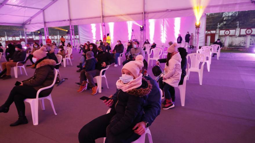 Alrededor de 1.200 personas con entrada, de las casi 6.000 disponibles, no acudieron a El Bibio y otras 11.269 vieron a los Reyes desde casa