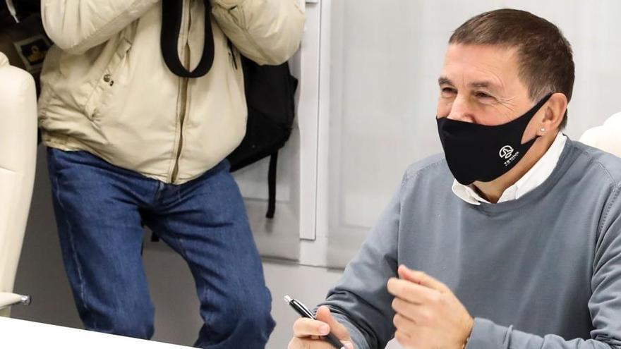 """Otegi ve un """"proceso"""" hacia la """"república vasca"""""""