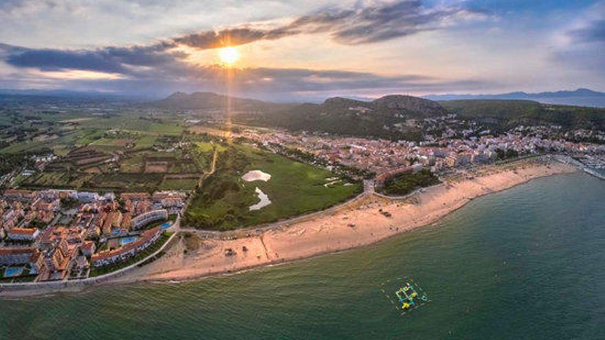 Torroella garanteix el bany a les platges de l'Estartit en dies punta tot i les restriccions