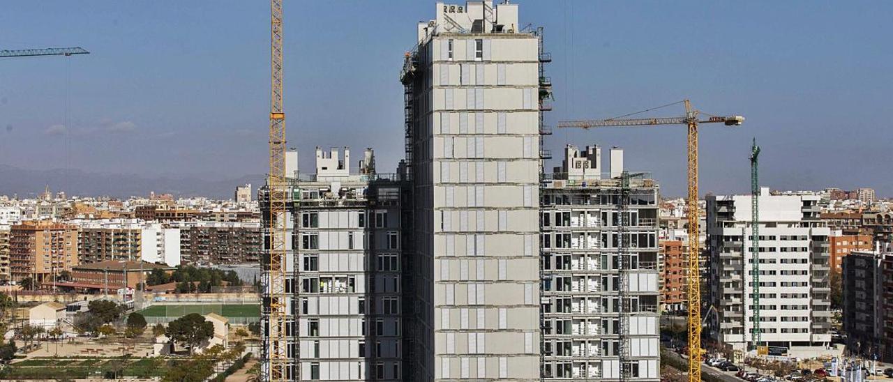 Viviendas en construcción en el barrio de Malilla de València