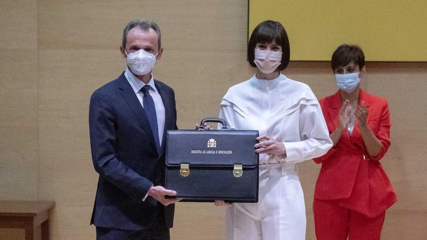 Pedro Duque traspasa la cartera de Ciencia a Diana Morant