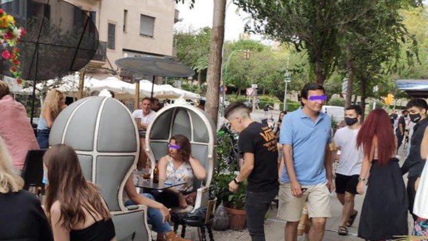 Cort rechaza el mantenimiento de las terrazas en los aparcamientos