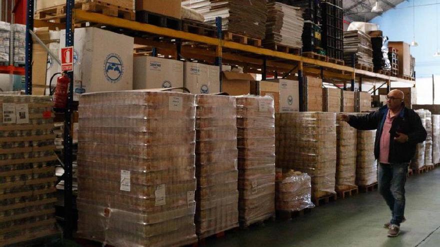 La Caixa recauda 24.000 litros de leche para el Banco de Alimentos