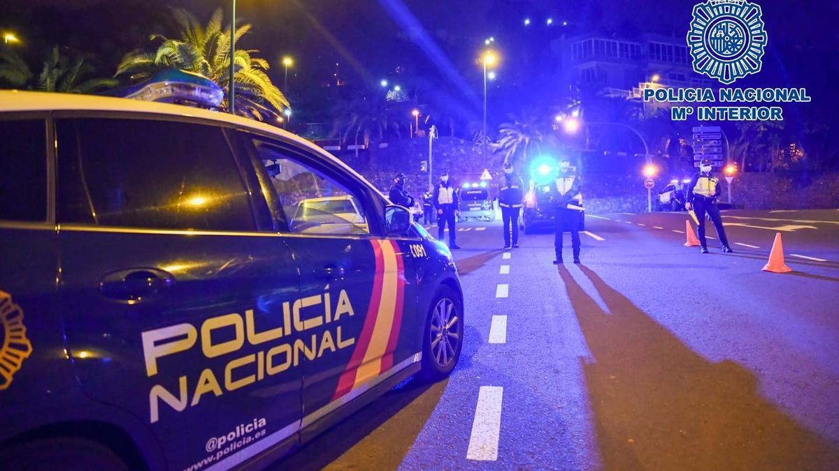 17 sancionados por comer dentro de un restaurante en Tenerife