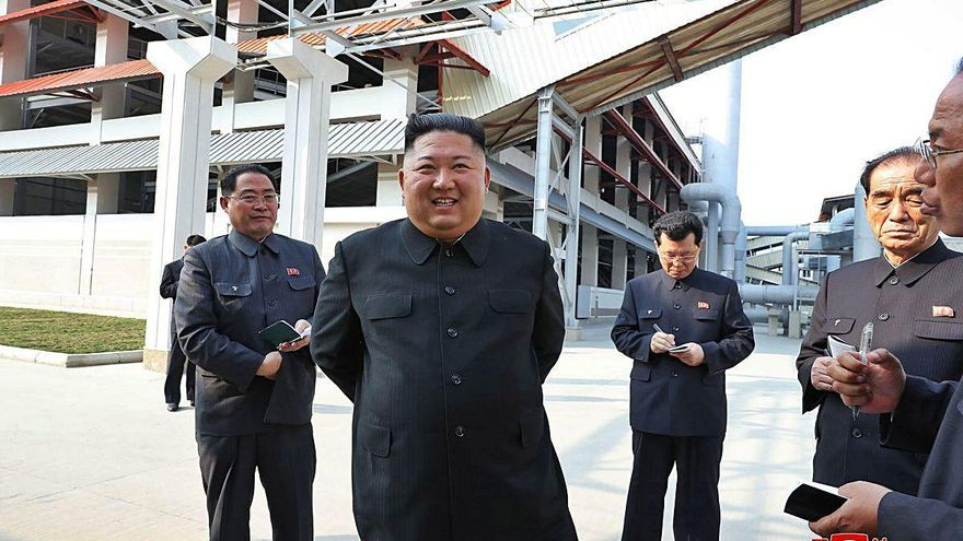 Kim Jong-un reapareix després que s'especulés durant tres setmanes sobre la seva mort