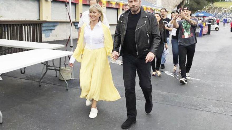 "Olivia Newton-John y John Travolta regresan a ""Grease"""