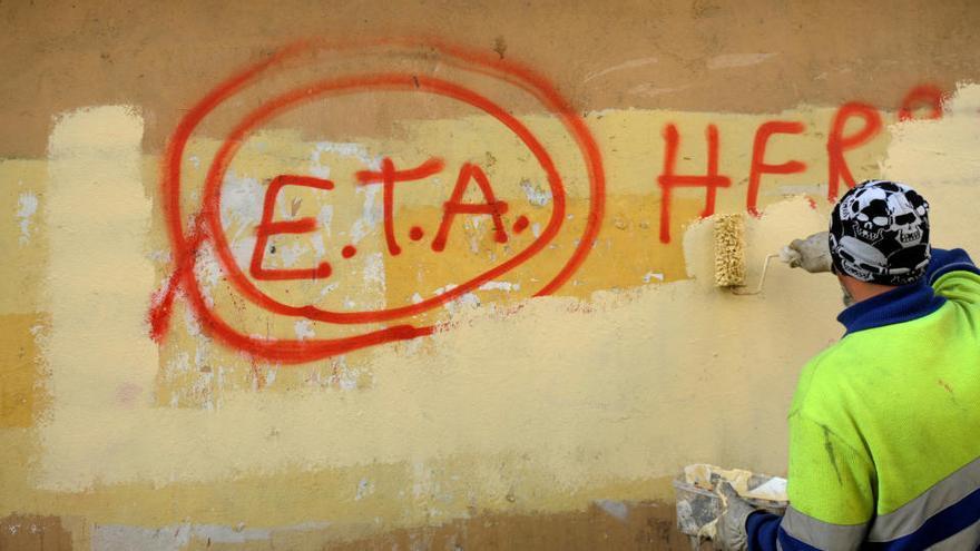 El Govern destrueix gairebé 1.400 armes confiscades a ETA i els GRAPO