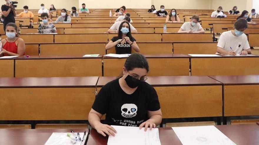 La UMA hará exámenes presenciales o a distancia, según la asignatura
