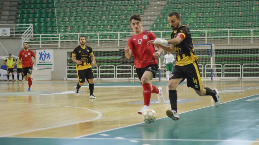 El Cáceres supera al Nueva Elda y sube a plaza de 'playoff'