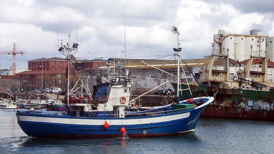 Denuncian que la UE subvenciona el combustible contaminante de los pesqueros