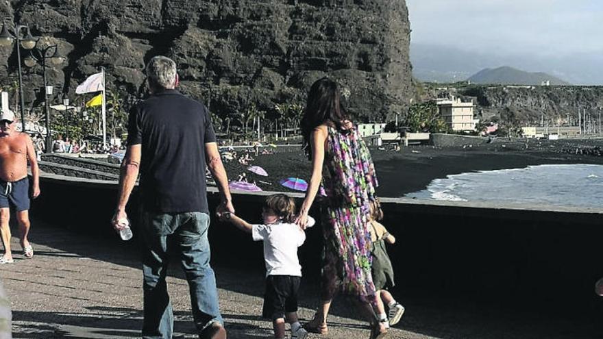 George Clooney, un bagañete más durante su rodaje en La Palma