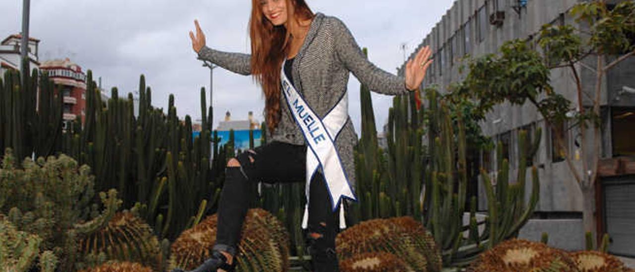 Yaiza Artiles, candidata a Reina por el centro comercial El Muelle.