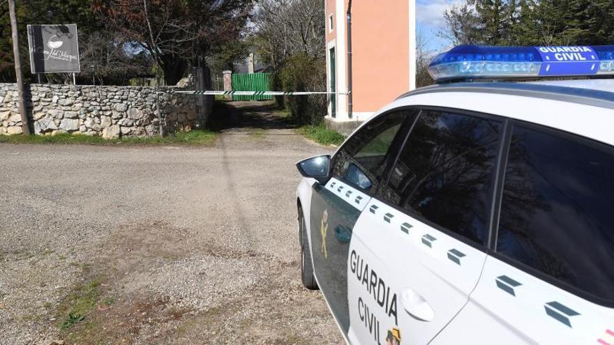 Muere un hombre al chocar su coche con un camión en Oleiros