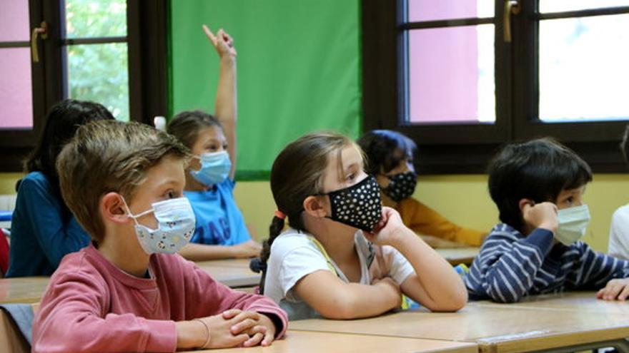 Un total de 91 centres han tancat per la Covid-19 durant el curs escolar, un 1,8% del total