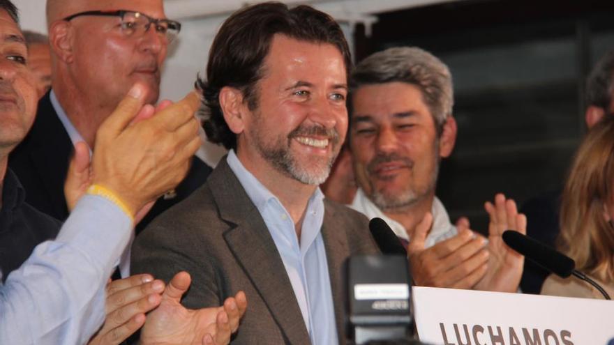La falta de resultados definitivos en el Cabildo impide concretar los pactos