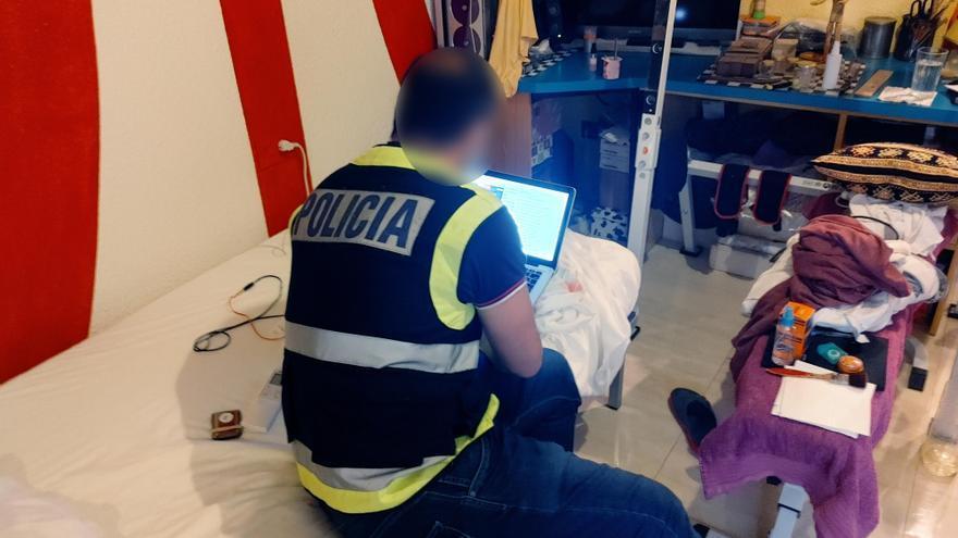 Detenido un hombre de 65 años por abuso sexual a una niña de 10 de Badajoz a través de una red social