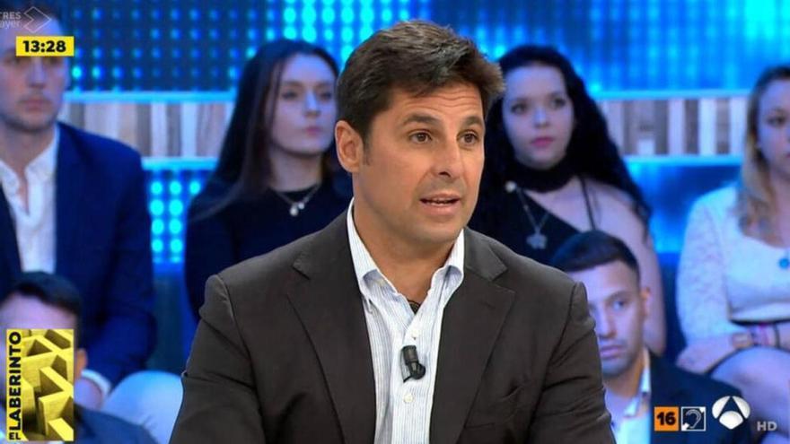 """El fichaje de Fran Rivera por 'Espejo Público', muy criticado en redes: """"Al menos mientras está en la tele no tortura"""""""