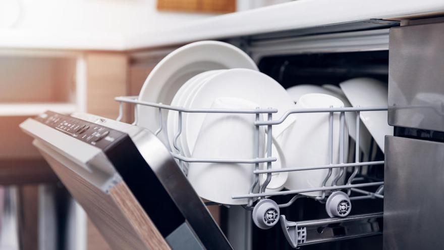 El producto económico y ecológico de moda para limpiar el lavavajillas que tienes que conocer