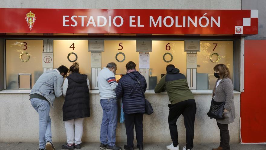 La opinión sobre el Oviedo y el Sporting: El carril azul y la fiesta en Lugo
