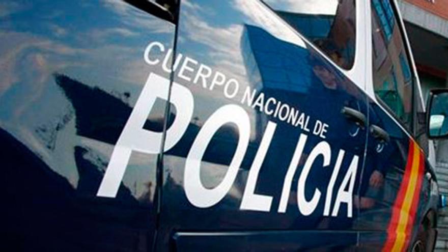 Una mujer acuchilla a su hija de 16 años después de intentar degollarla