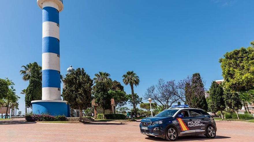 Dos detenidos por robar en siete establecimientos de Vélez-Málaga