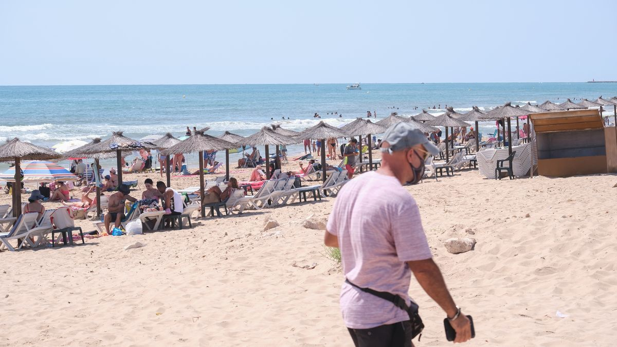 Playa El Pinet de La Marina. Áxel Álvarez.