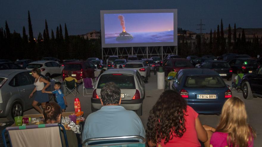 Estos son los autocines y cines de verano de los que puedes disfrutar en la provincia de Alicante