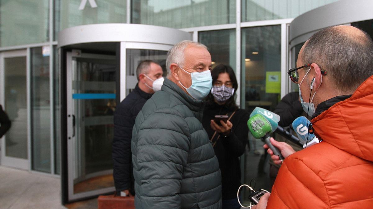 Pachi Vázquez atiende a los medios ante los juzgados