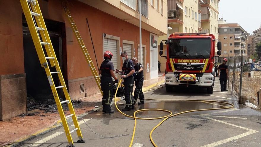 Un hombre sufre quemaduras tras una explosión mientras reparaba un coche en Orpesa