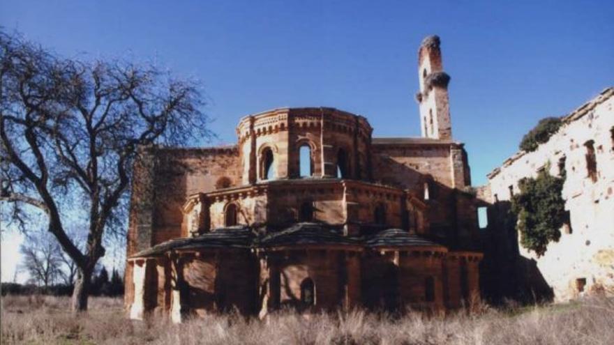 El monasterio desde Granja de Moreruela