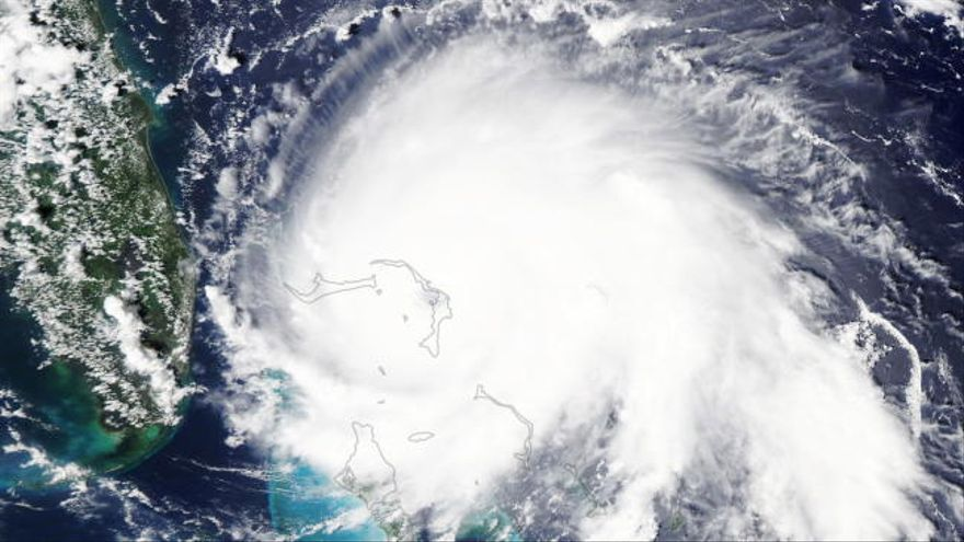 El huracán Dorian deja al menos un muerto a su paso por las Bahamas